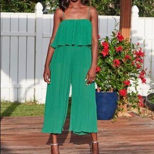 Ethan n Joy Green Pleated Jumpsuit Size Medium